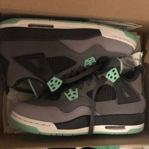 Jordan 4 Retro - size 4.5Y - Good Condition